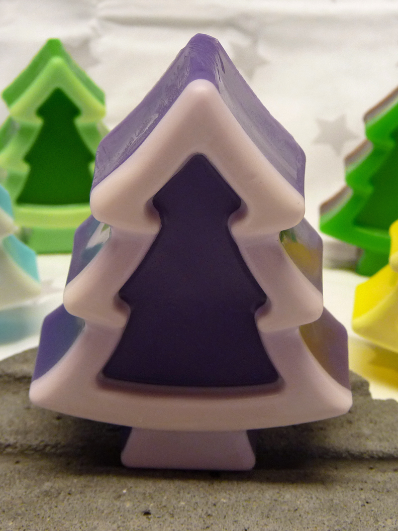 Christmas Tree purple (Blaubeere)
